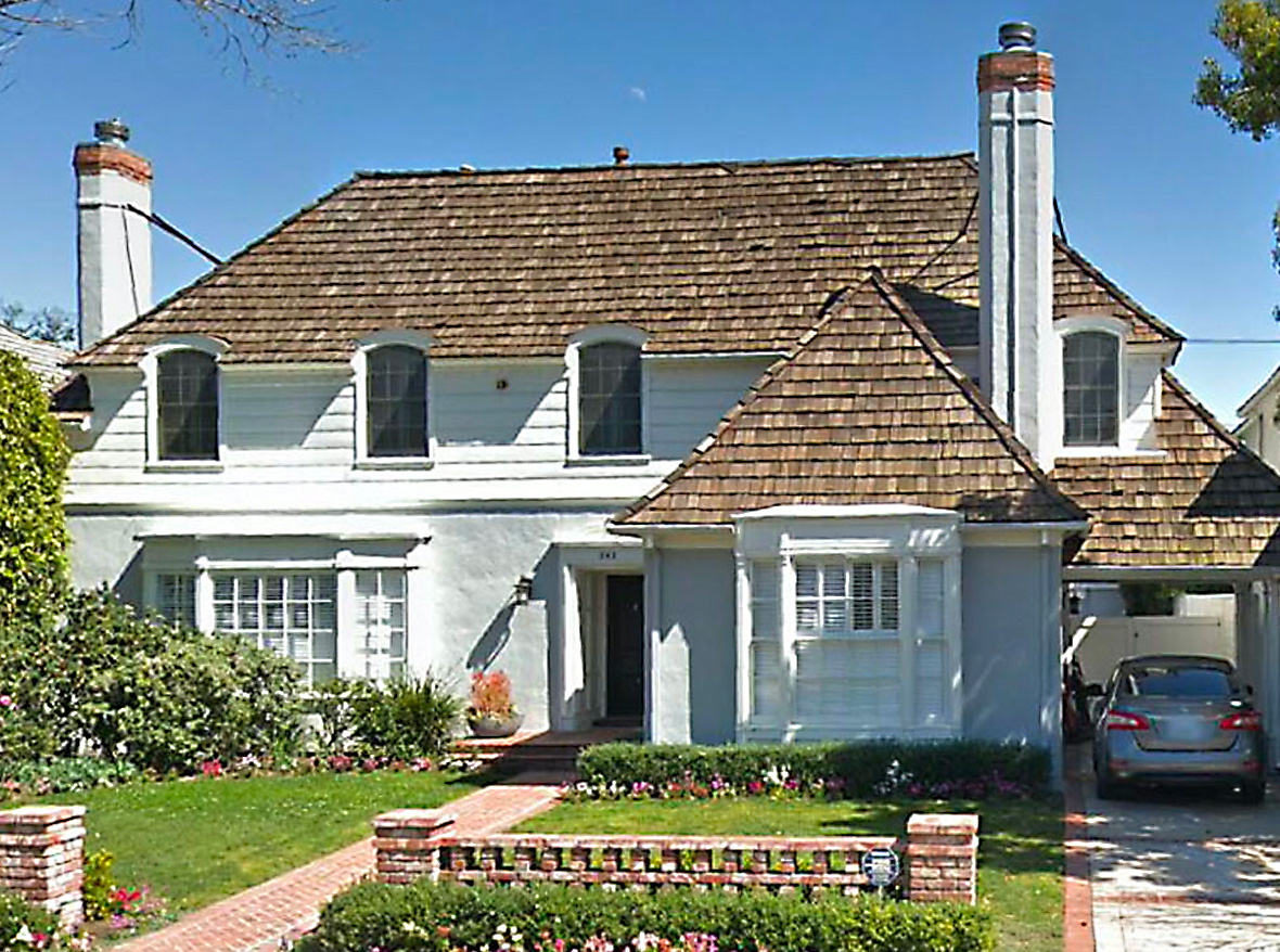 This is the home you've been waiting for! Gracious, traditional home on the best block of the best street in southwest Beverly Hills. Remodeled by the famous architect, Hal Levitt, this center hall plan is done to perfection. Grand living rm, huge family rm, cozy den, spacious kitch w/ breakfast area & maid's rm dn. Lrg master w/ 2 additional bedrm suites up spiral staircase. French doors off the family rm lead to patio w/ built-in bar-b-q & sparkling pool. Room for swingset.