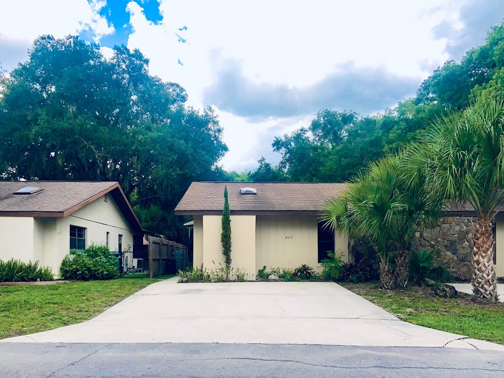 This is a nice 2/1 condo situated just off of Kings Bay Dr in Crystal River in an excellent waterfront community. The condo offers a great location that is just within walking distance to the Kings Bay bridge & Pete's Pier. This area is also Golf Cart friendly! Home comes unfurnished without utilities. Move-in requirements: first, last & security. Must pass a credit/background check & a $50 application fee is required per adult.