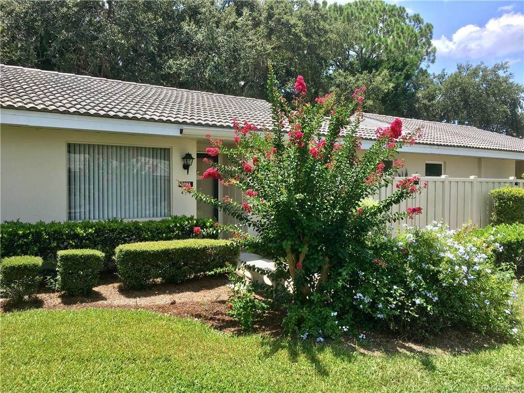 PRICE REDUCED! Nice 2/2 end unit Villa with 1600 sq ft of living area located in Bay Villas. Condo was completely renovated in 2008 including the HVAC system. Tile floors throughout the condo. Peaceful, quiet location near Dixie Bay featuring a heated community pool and tennis courts! Excellent investment opportunity or enjoy full time living in a maintenance free HOA community. All furnishings negotiable. Take a look at this one today! Property Features Association Fee	647 Association Fee Frequency	Monthly Association Fee Includes	Association ManagementCable TvInsuranceLegal/AccountingMaintenance GroundsPest ControlPool(S)Reserve FundRoad MaintenanceSprinklerTennis CourtsTrashWater Association Name	The Islands Condominiums AssociationIn Association YN	Yes Community Features	Community PoolShoppingStreet LightsTennis Court(S) Documents Available	Disclosure(S) Laundry Features	Laundry - Living Area Listing Terms	CashConventional Pool Private YN	No Possession	Closing Property Sub Type	Condominium Security Features	Smoke Detector(S) Sewer	Public Sewer Special Listing Conditions	Standard Tax Annual Amount	825 Tax Year	2018 Water Source	Public