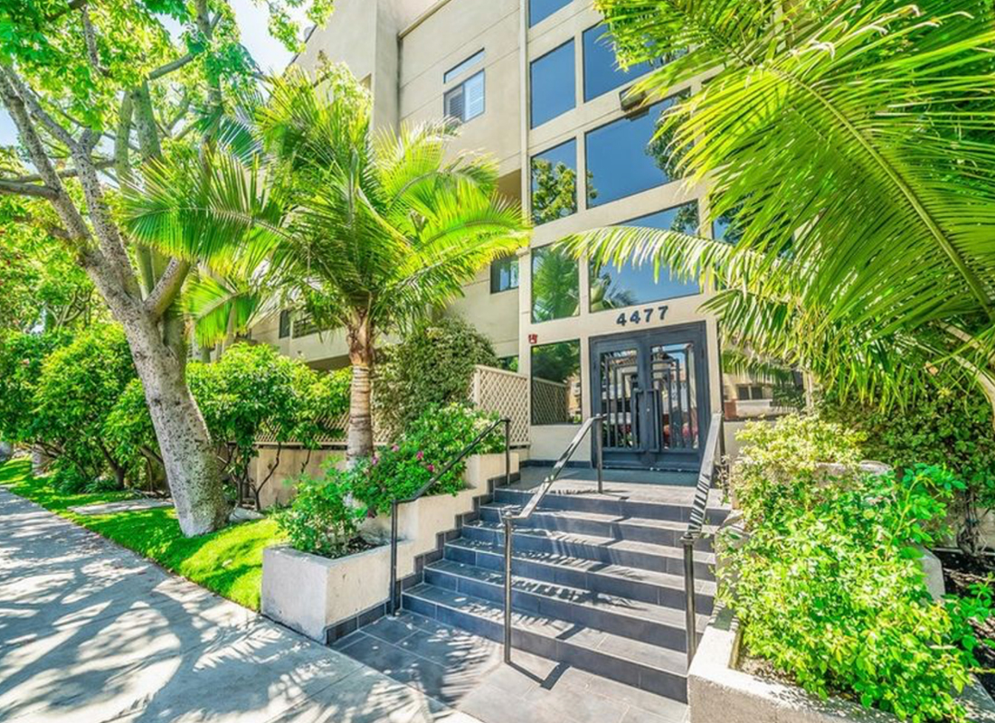 Beautiful Contemporary Unit w/Wide Open Floorplan, High Ceilings & Flooded w/Sunlight. Elegant Fully Remodeled Kitchen w/Seafoam Granite Counters, Maple Shaker-Style Cabinetry, Travertine Floor, GE Profile Stainless Appliances, Pantry, Kohler Satin Nickel Faucet. Spacious Master Suite w/Walk-in Closet, Large Bthrm w/Double Sinks/Granite Counters. Newer Stack Washer/Dryer, Newer Closet Doors/Hardware, Recessed Lights, Pergo-Type Flooring, Crown Molding, CAT 5 Wiring, Huge Private Patio.