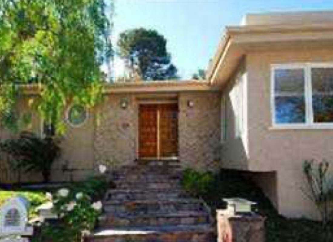 Turnkey 1 story Mid Century contemporary on a quiet cul-de-sac. Westside close in foothills of Sherman Oaks. Great flr plan, open + sunny w/ 4 beds/3baths, 1 w/own entrance for in-law/housekeeper. Hrdwd flrs, recessed lights, French drs, plus 2 stone frplcs in living & family rooms. Cook's kitchen w/island. Backyard features arbor style covered patio, deck, spa, grassy yard, mature fruit trees + a rooftop sun deck. This home has great flow w/a zen feel.