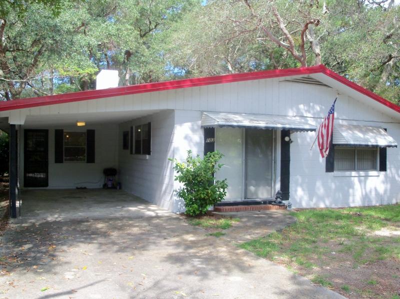 103 NE 73rd Street, Oak Island, NC 28465