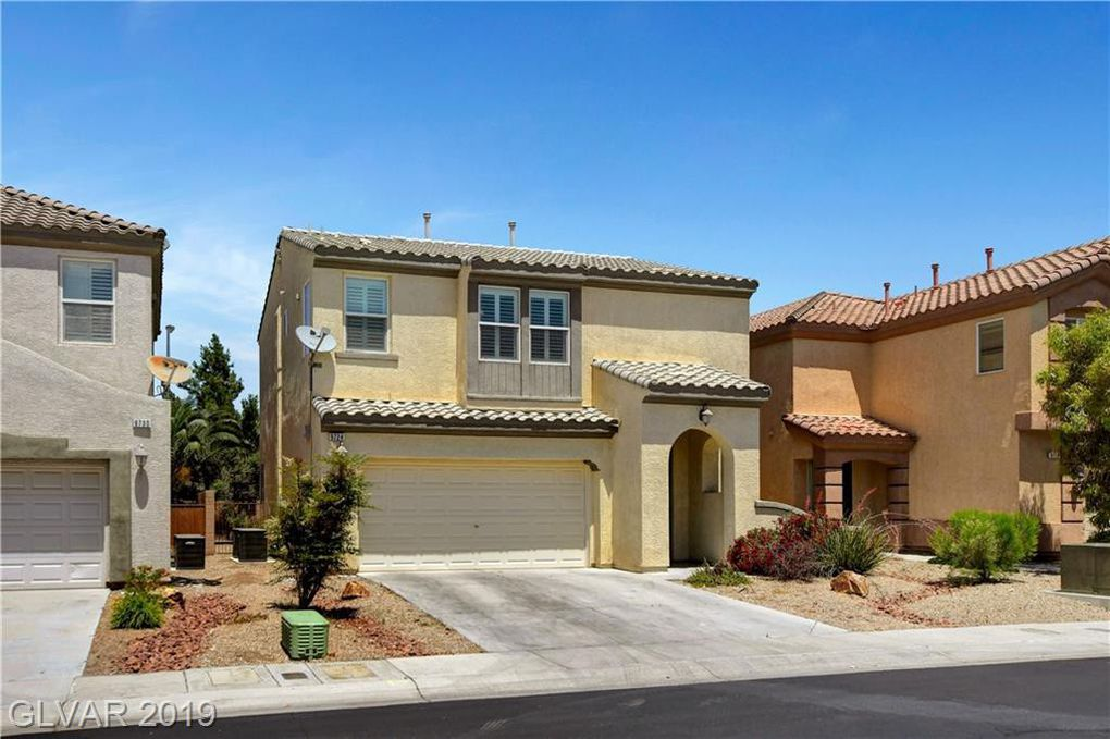 Beautiful, remodeled SW home, 3 bedrooms + loft, upgraded man-made wood flooring & baseboards throughout the downstairs, bathrooms, and laundry room, plush carpet in the bedrooms, granite kitchen countertop, stainless steel appliances. Bay window in master, walk-in closet, double sinks, deep soaking tub in master bath. Secondary bedrooms include a large Jack & Jill bath, pre-wired for SS. Conveniently located to schools, shopping, and the 215.
