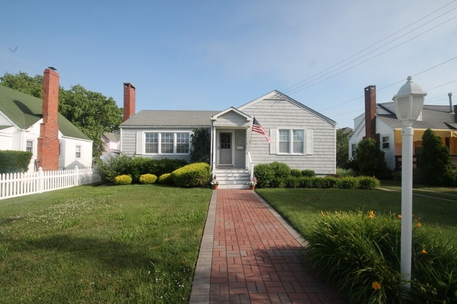 1007 New York Ave, Cape May, NJ 08204