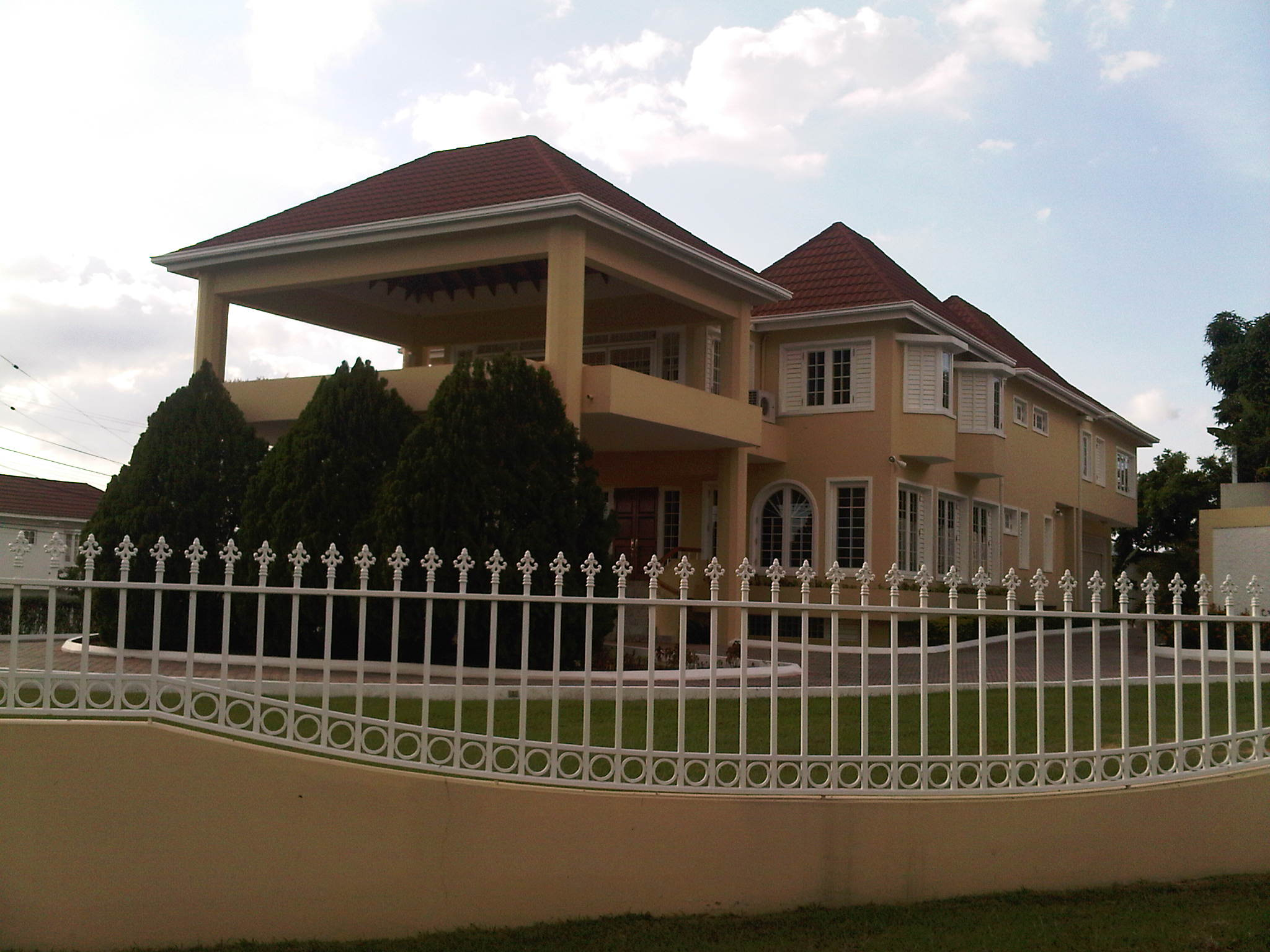 Real estate in kingston 8 listing id 56023 by re max - 3 bedroom house for rent in kingston jamaica ...