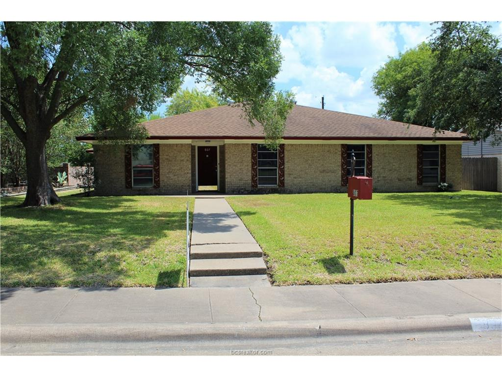 807 Avondale, Bryan, TX 77802
