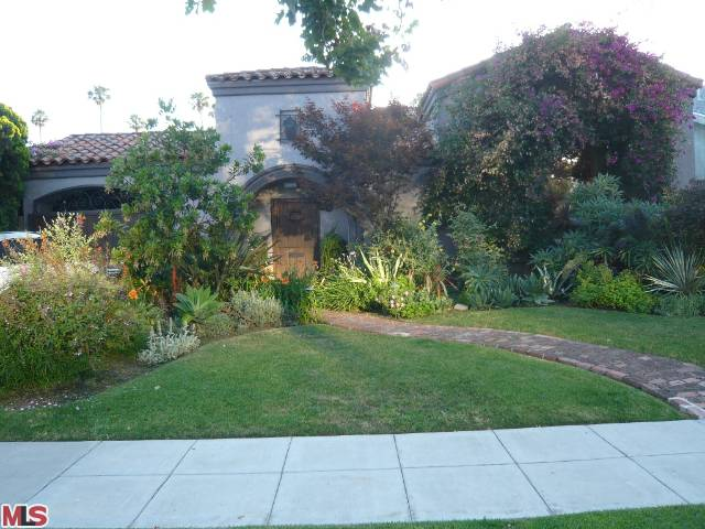 213 S Stanley Drive, Beverly Hills, CA 90211