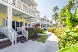 5084 Sunset Village Dr, Duck Key, FL 33050