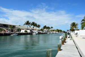 191 9th Street, Key Colony Beach, FL 33051