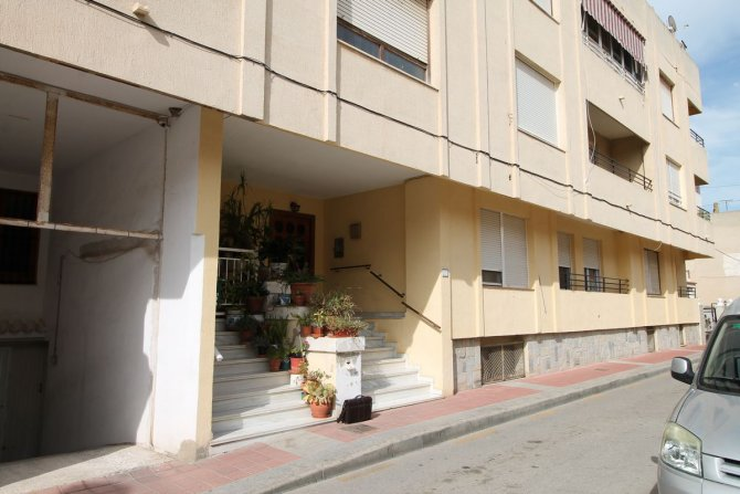 LARGE 3 BEDROOM APARTMENT IN ALGORFA