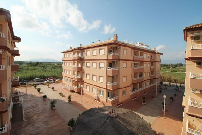 SECOND FLOOR APARTMENT in ALGORFA