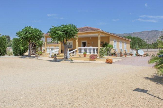 Villa in Crevillente