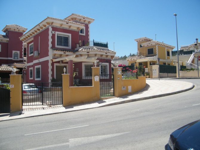 BEAUTIFUL DETACHED VILLA IN BIGASTRO