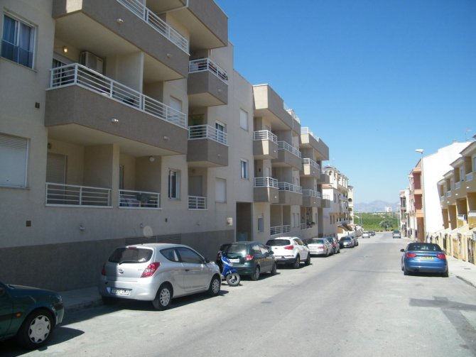 NICELY PRESENTED APARTMENT IN ALGORFA