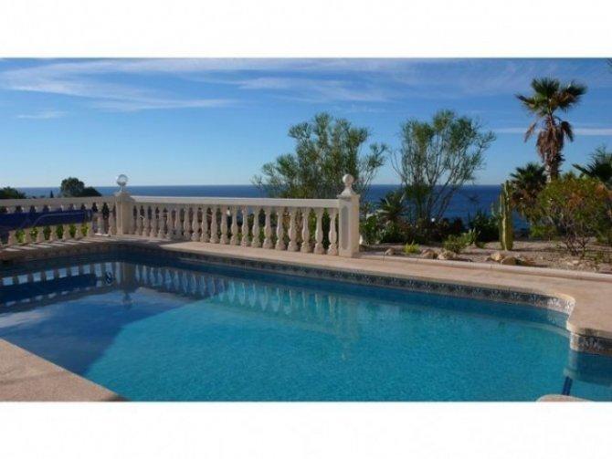 Fantastic Villa with Sea Views in El Campello