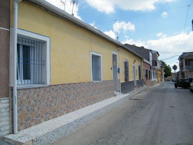 SPANISH TOWNHOUSE IN TORREMENDO
