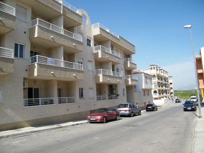 LARGE 3 BEDROOM APARTMENT IN ALGORFA