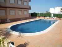 BRIGHT 2 BED APARTMENT WITH COUNTRY VIEWS (1)