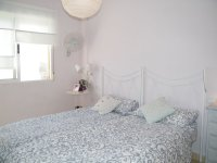 BRIGHT 2 BED APARTMENT WITH COUNTRY VIEWS (3)