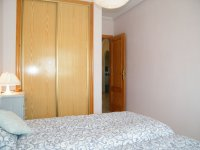 BRIGHT 2 BED APARTMENT WITH COUNTRY VIEWS (9)