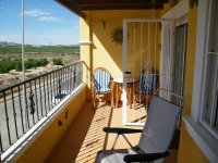 STUNNING TWO BEDROOM APARTMENT IN ALGORFA (8)
