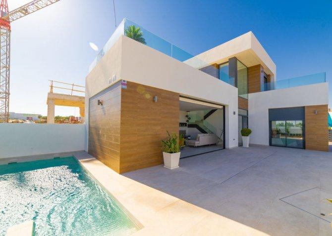 Stunning new build detached villas