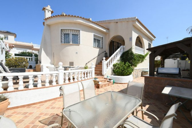 Detached villa in Benimar ll