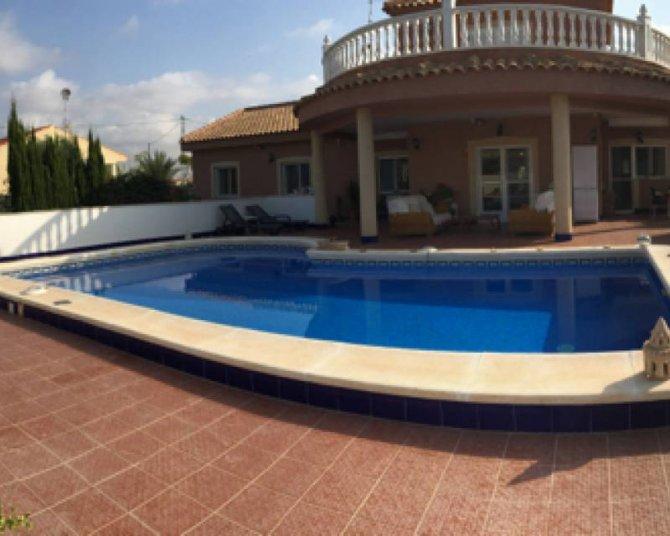 Villa in El Realengo
