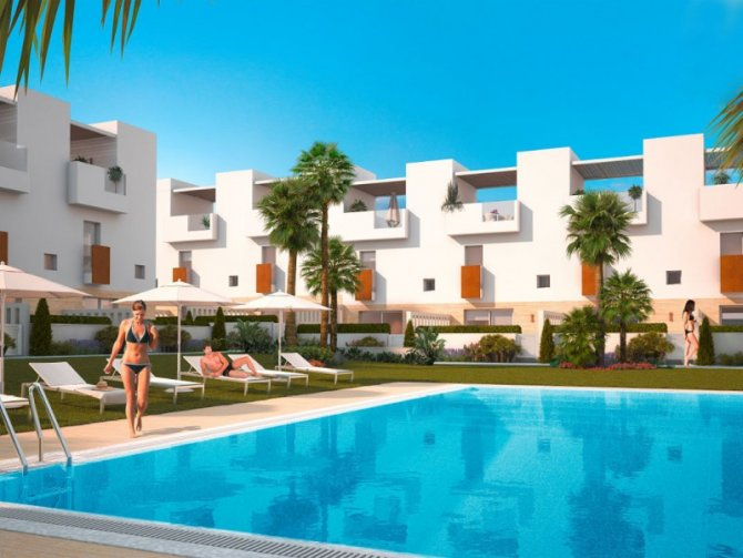 New 2 Bed Townhouse in Torrevieja