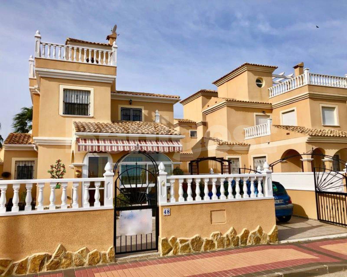 Villa in Algorfa