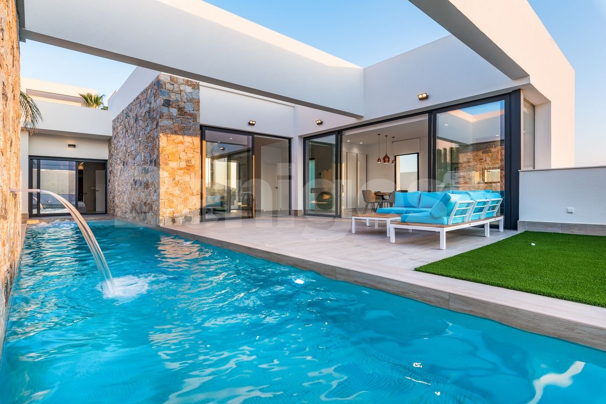 Prestigious three bedroom villa