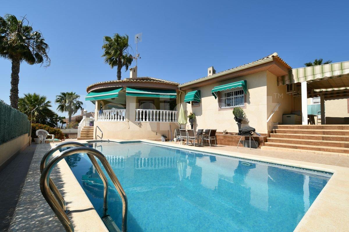 Villa en Benimar