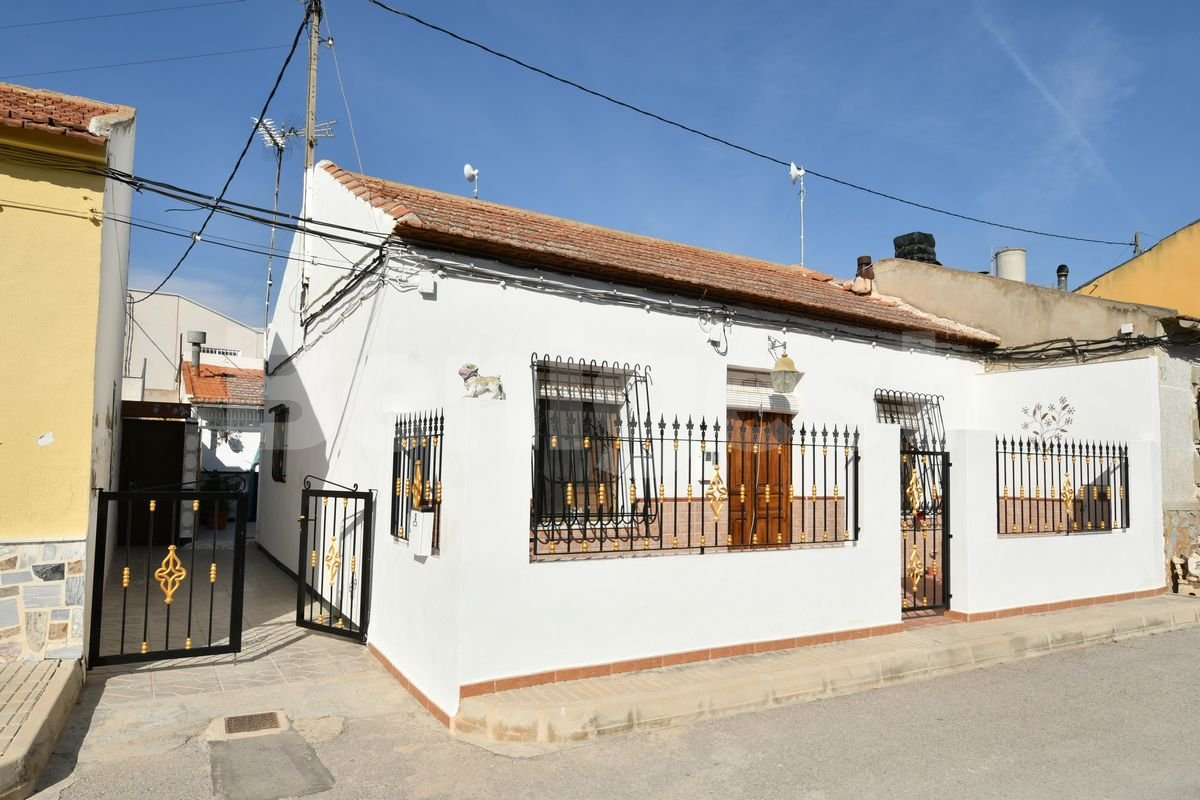 Semi detached traditional Spanish style house