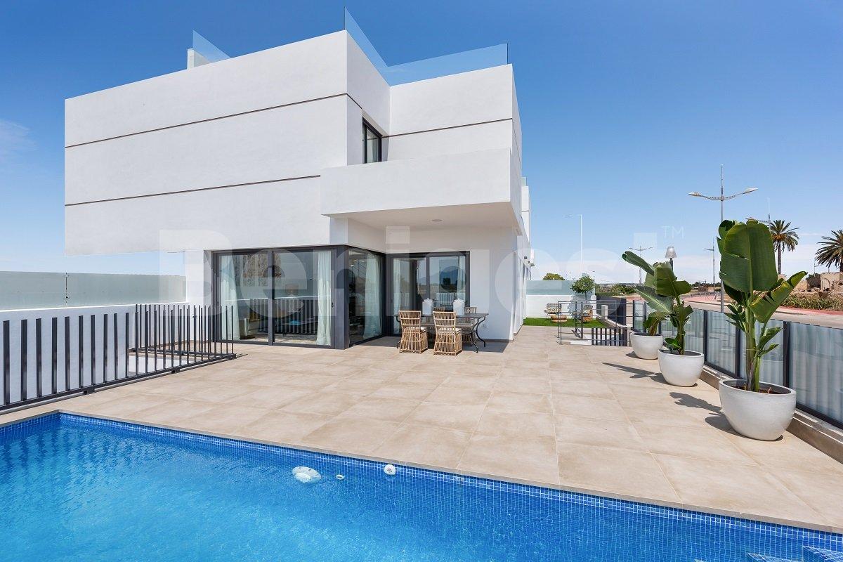 Stylish new build semi- detached villas in Dolores