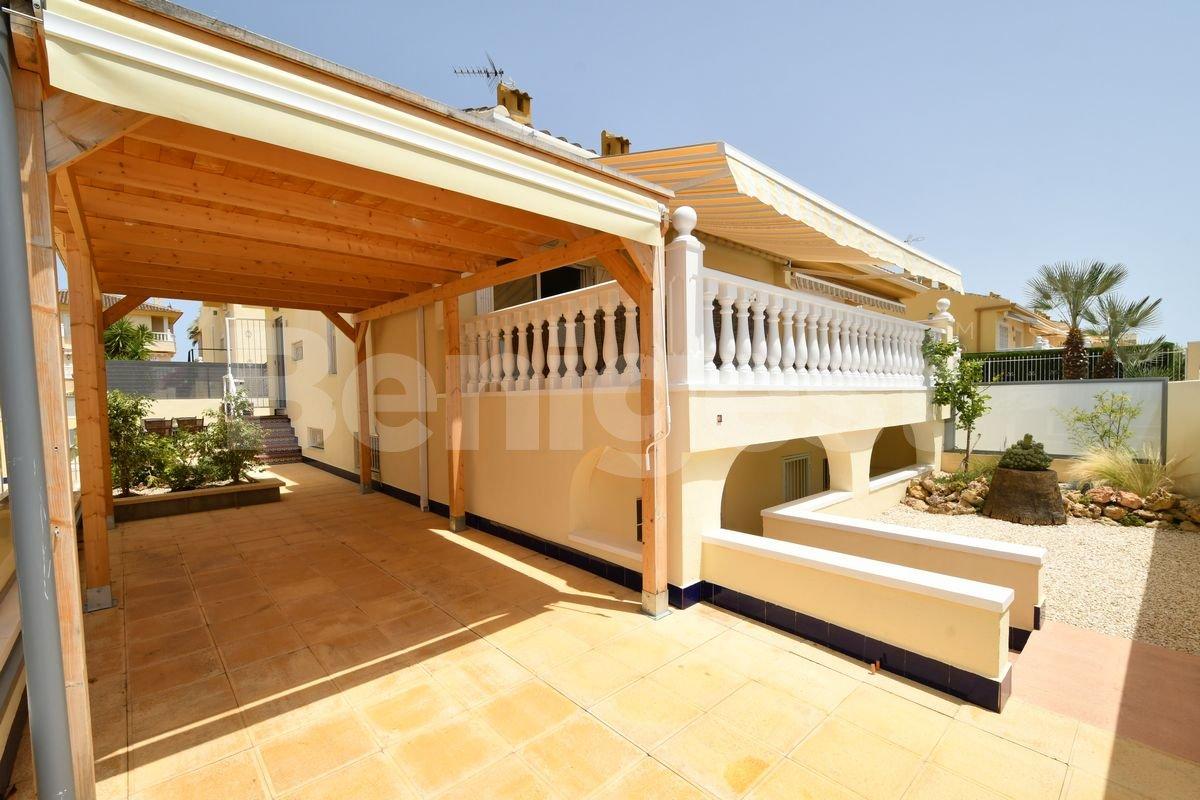 Semi detached villa close to amenities