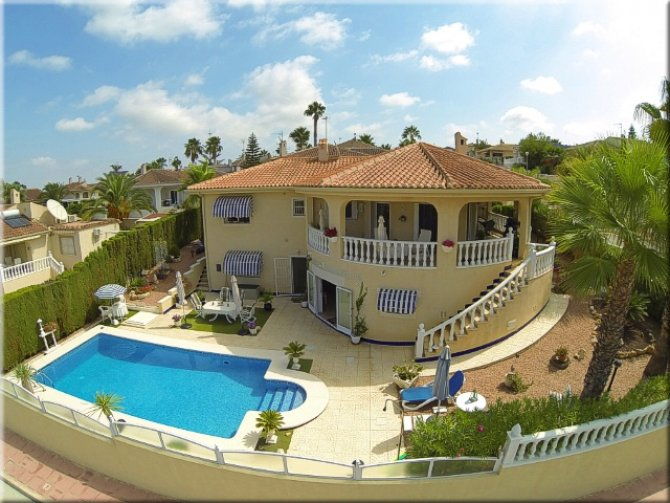 Stunning 3 bedroom detached villa in Benimar