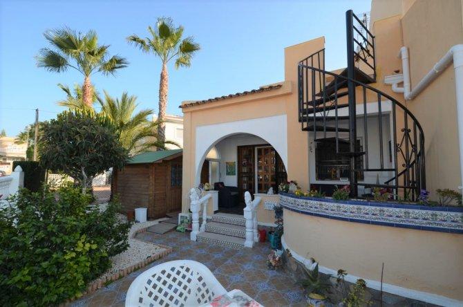 Semi detached villa 3 bedrooms