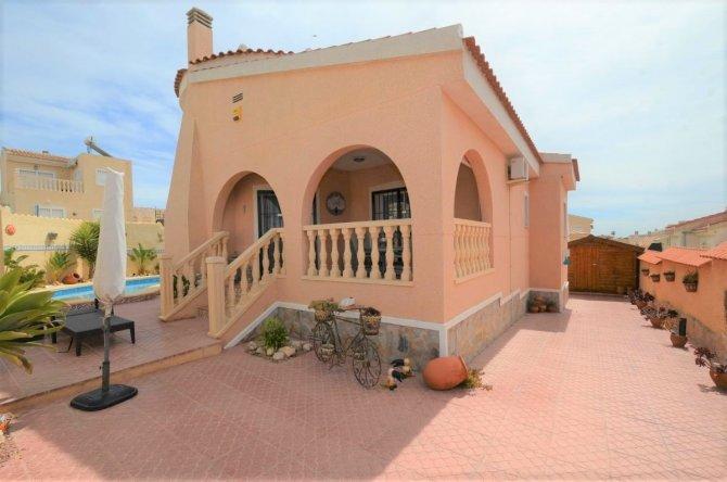 Fabulous corner detached villa