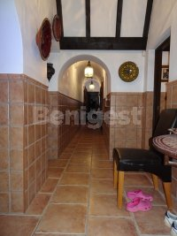 Beautiful Country villa in stunning location (2)