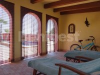 Beautiful Country villa in stunning location (9)