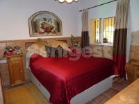 Beautiful Country villa in stunning location (14)