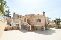 Stunning detached villa with private pool (0)