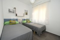 Refurbished first floor apt with private solarium (10)