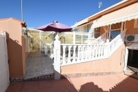 Semi detached with private pool and garage (0)