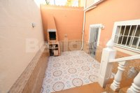 Semi detached with private pool and garage (2)