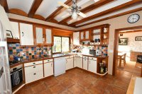 Country villa with 2 chalets and separate annex (6)