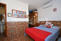 Country villa with 2 chalets and separate annex (22)