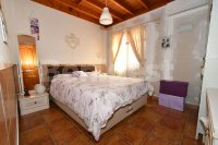 Country villa with 2 chalets and separate annex (13)