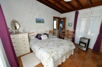 Country villa with 2 chalets and separate annex (11)