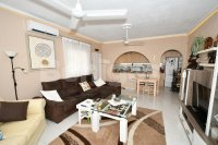 Detached villa all on one level (2)